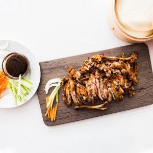 Pato aromatico con pankakes restaurante asiatico Alicante