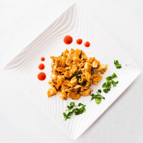 Pollo salsa sriracha restaurante asiatico Alicante